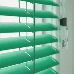 Выбираем алюминиевые жалюзи на окна