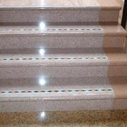 Гранитные и мраморные лестницы для загородного дома